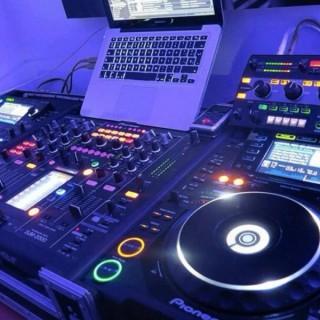 Lo show di Lele dj ( The Radio )